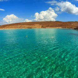 photo of emerald water, Rhenea, travel & discover mysterious Greece