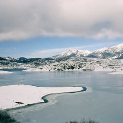 Frozen Lake of Aoos © Dimitris Kilymis by Flickr