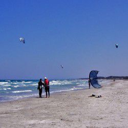 Kitesurfing © Silvia07 by Flickr