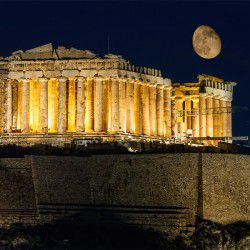 Pathenon by Night © Shutterstock