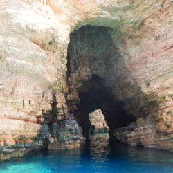 photo of pori cave s, Koufonisia, travel & discover mysterious Greece