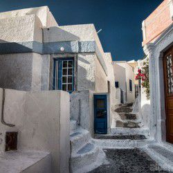 photo of pyrgos, Santorini, travel & discover mysterious Greece