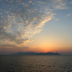Sunset over Sikinos © EnKayTee by Flickr
