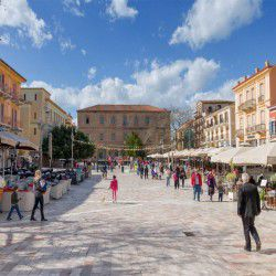 photo of syntagmasquare, Nafplio, travel & discover mysterious Greece