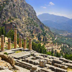 photo of temple of apollo, Delphi, travel & discover mysterious Greece