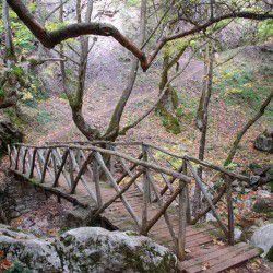 photo of trailtomavrispilia gorge, Karpenisi, travel & discover mysterious Greece