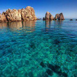 Wild Rocks © Shutterstock