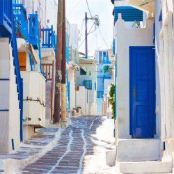 photo of alleys, Mykonos, travel & discover mysterious Greece
