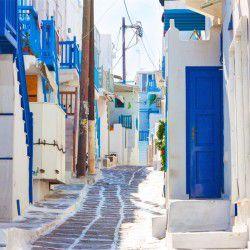 Alleys in Hora