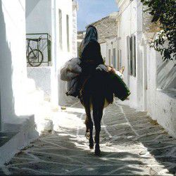 photo of alleysathora, Kythnos, travel & discover mysterious Greece