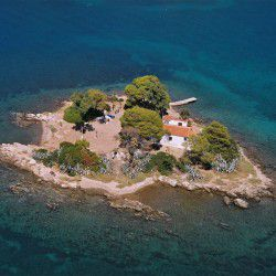 Daskalio Isle © Official Website of Poros