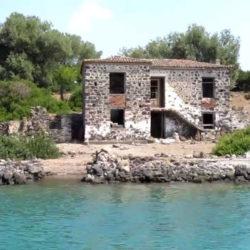 Deserted House © Cnn.gr