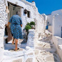 photo of kastro, Sikinos, travel & discover mysterious Greece