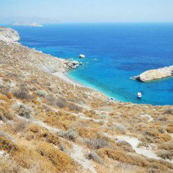 photo of katergo beach, Folegandros, travel & discover mysterious Greece