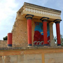 Knossos Palace © Mysteriousgreece.com