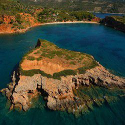 Kokinokastro Beach © Alonnisos Official Website
