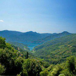photo of mornos lake, Delphi, travel & discover mysterious Greece