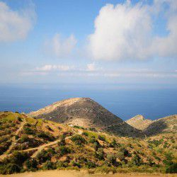 photo of mountain  side, Naxos, travel & discover mysterious Greece