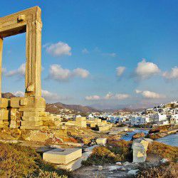 photo of portara temple, Naxos, travel & discover mysterious Greece