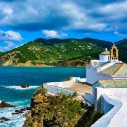 View of Panagitsa Pyrgou church © Shutterstock
