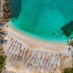 Marble beach © Shutterstock