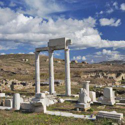 photo of temple of apollo, Delos, travel & discover mysterious Greece