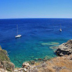 photo of turquoise, Sikinos, travel & discover mysterious Greece