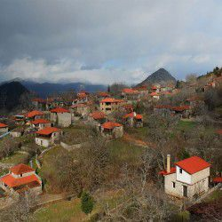 photo of variani village, Delphi, travel & discover mysterious Greece