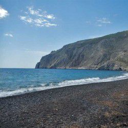 photo of kamari, Travel Experiences, travel & discover mysterious Greece