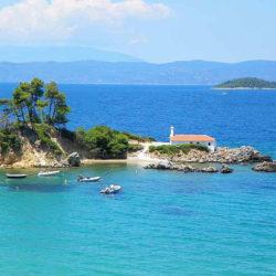 Isle of Agios Nikolaos in Hellenika © Voriaevia.net