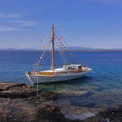photo of traditional caique, One Million Words, travel & discover mysterious Greece