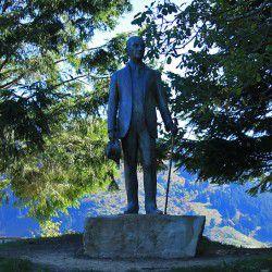 Evangelos Averoff Statue © Mysteriousgreece.com