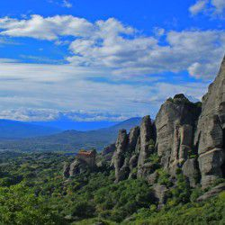 photo of meteora, Meteora, travel & discover mysterious Greece