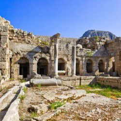Ancient Corinth © Shutterstock