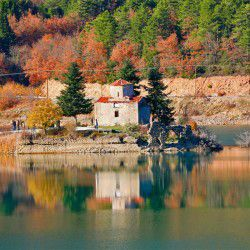 Lake Doxa © Mysteriousgreece.com