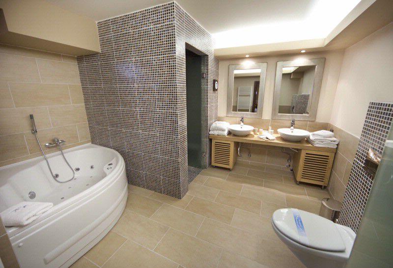 Bathroom of Superior Deluxe Maison