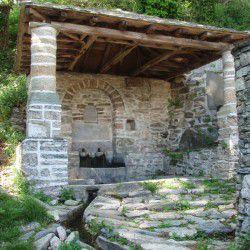 Fountain in Makrinitsa © Mysteriousgreece.com