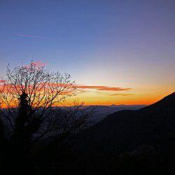 Sunset from Makrinitsa © Mysteriousgreece.com