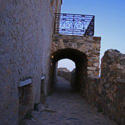 photo of gate, One Million Words, travel & discover mysterious Greece