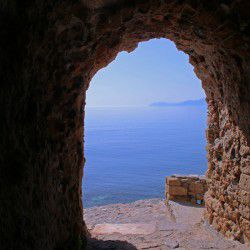 photo of portelo gate, One Million Words, travel & discover mysterious Greece