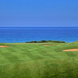 Hole 2 || The Bay Course © Costa Navarino