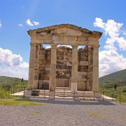 photo of the heroon, Bucket List, travel & discover mysterious Greece