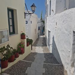 photo of ano syros alleys, Travel Experiences, travel & discover mysterious Greece