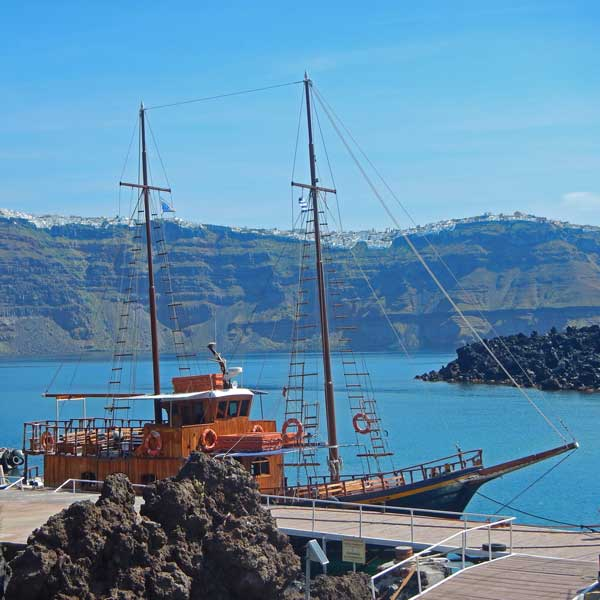 photo of cruises, Reasons Why You Should Visit Santorini This Fall, travel & discover mysterious Greece