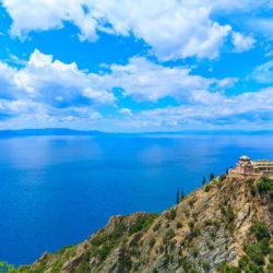 Mount Athos © Shutterstock